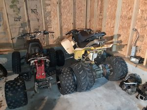 2 blaster for parts or u can rebuilt it only got one motor, that need work, like top end and rod I think for Sale in Newport News, VA