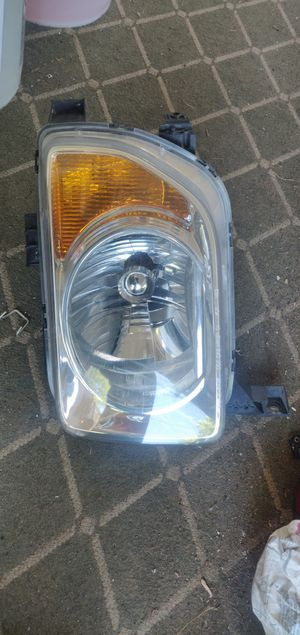 Honda Element Drivers side headlight. for Sale in NO BRENTWOOD, MD