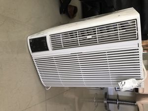 Ac ( wall unit air conditioner) kenmore elite for Sale in Fort Lauderdale, FL