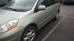 2006 Toyota sienna XLE limited for Sale in Louisville, KY