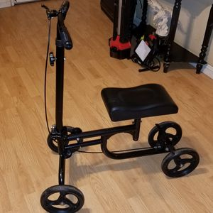 FREE Knee Scooter for Sale in San Jose, CA