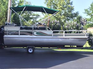 Voyager Pontoon Boat for Sale in Lafayette, TN
