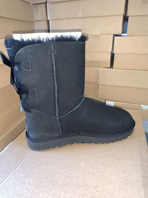 Size6,7,8,9,10 Bailey bow UGG BOOTS for Sale in Victorville, CA