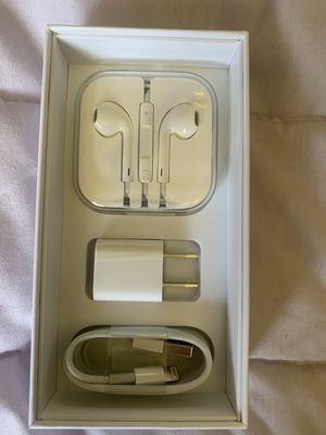 Head phone and charging cables for iphone 5 snd up for Sale in Long Beach, CA