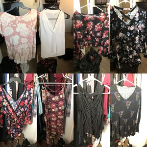 Women's Clothing S/M 4 XL bags full for Sale in Bakersfield, CA