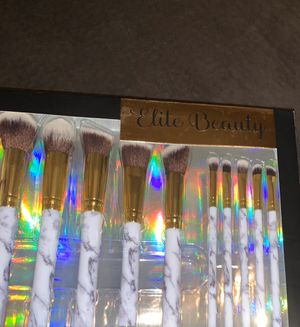 Makeup brushes and sponges for Sale in Fort Lauderdale, FL