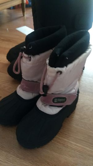 GIRLS SNOW BOOTS SIZE 12 for Sale in Santa Ana, CA