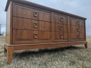 """Gorgeous Mid Century """"Dixie"""" Lowboy for Sale in Chicago, IL"""