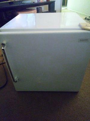 Sanyo mini fridge for Sale in Dundalk, MD