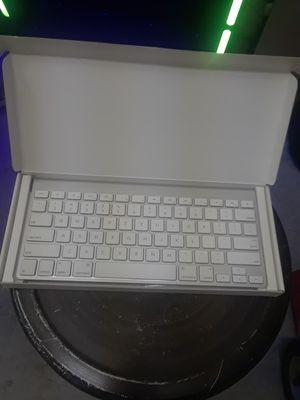 Apple wireless keyboard for Sale in Oakland, CA