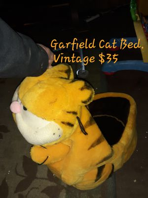 Cat bed vintage for Sale in Wenatchee, WA
