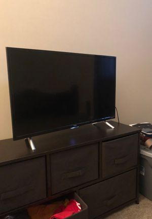 32 inch TCL, roku tv for Sale in Portsmouth, VA