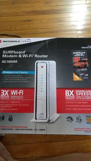 Motorola Surfboard Modem & wifi Router for Sale in Parlin, NJ