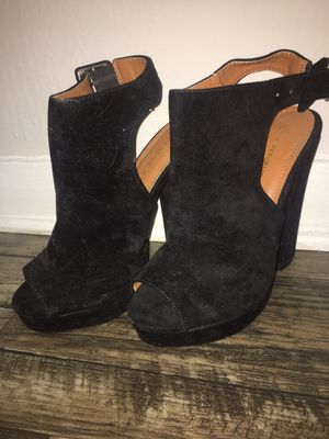 Heels black with open back for Sale in Orlando, FL