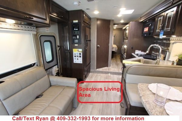 2020 Thor Four Winds 31E Bunk Model Class C Motorhome FINANCING AVAILABLE