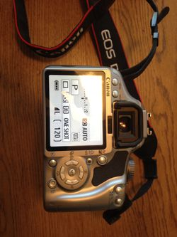 Canon eos rebel xsi 450d for Sale in Centennial,  CO