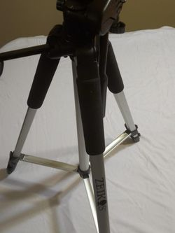 Zeikos Full Size Tripod for Sale in Pittsburgh,  PA