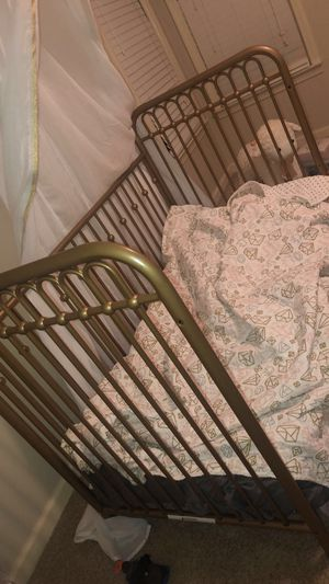Girls Gold Crib & Changing Table w/ mattress for Sale in McDonough, GA