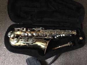 College student selling alto sax for Sale in Nashville, TN