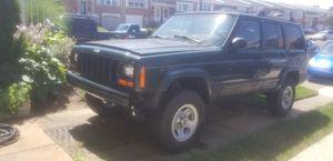 1999 jeep cherokee xj sport 4x4 for Sale in Philadelphia, PA