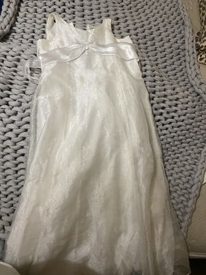 White formal dress for Sale in Fort Worth, TX