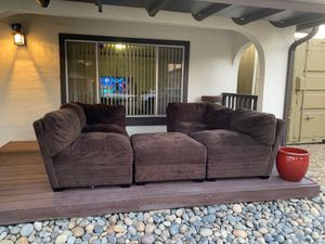 Sectional couches with ottoman for Sale in Fremont, CA