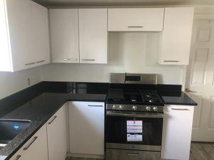 Kitchen cabinets for Sale in Orlando, FL