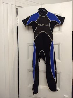 Kids wetsuit, great condition, hardly used for Sale in Boston,  MA