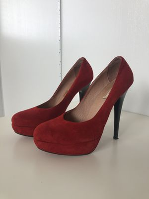 Red Suede Pumps 7.5 for Sale in Nashville, TN