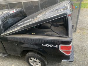 Tonneau cover for 2013 f150 for Sale in Olympia, WA
