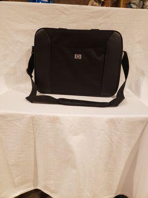 HP PADDED CROSSBODY BAG FOR LAPTOP for Sale in Pharr, TX