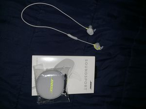 Bose soundsport wireless earbuds for Sale in Hampton, VA