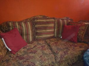 Nice matching floral couch and loveseat ,, 100 for both for Sale in Cave Spring, VA