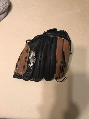 Baseball glove for Sale in Houston, TX