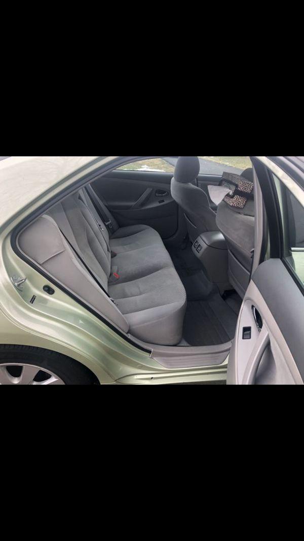 Beautiful Toyota Camry hybrid 2009