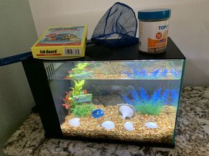 3 Gallon Fish Aquarium for Sale in Savage, MD