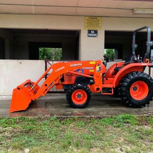 Tractor From Home Use To Industrial Use Kubota- New Holland- Mahindra for Sale in Miami, FL