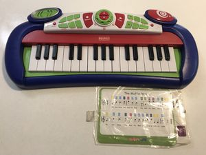 FisherPrice kidtronics Rockin' Keyboard with sheet music for Sale in San Jose, CA