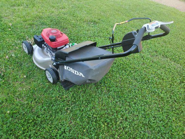 "Honda 22"" GCV160 Electric-Start Self-Propelled Mower"