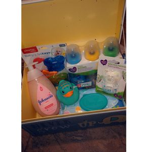 Baby essentials / moisture wash, pampers baby wipes/ duck/baby's keys, 3pack bottles , 2 pacifiers for Sale in Lebanon, PA