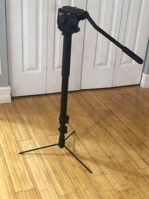 Manfrotto monopod with legs and 501 head for Sale in Hollywood, FL