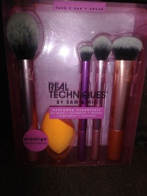 Makeup Brushes Real Techniques for Sale in Los Angeles, CA