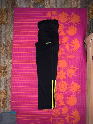 Adidas size seven brand new joggers! for Sale in Coraopolis, PA