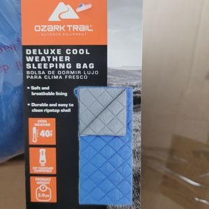 Brand New 40F Sleeping Bag for Sale in Los Angeles, CA