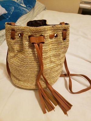 Straw Tassel Shoulder/Messenger bag for Sale in Argyle, TX