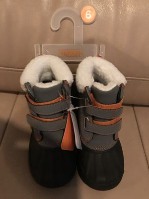 New kids Gymboree snow boots size 6 for Sale in Glendora, CA