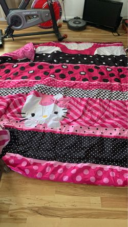 Hello kitty bedding set for Sale in Hollister,  CA
