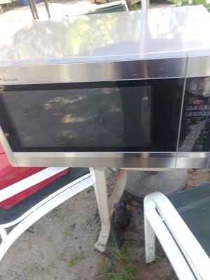 Maicrowave for Sale in Fort Pierce, FL