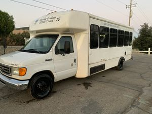 2006 ford E450 v10 Shuttle bus for Sale in Union City, CA