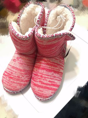 Pink boots Indoor/outdoor booties slippers rubber outsole warm & comfy Cushioned footbed size 6 7 8 for Sale in El Monte, CA